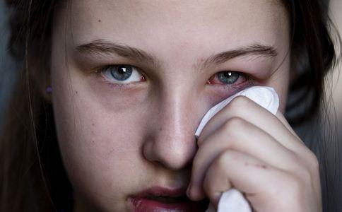 干眼症的典型症状有哪些 干眼症的症状有哪些 干眼症如何护理