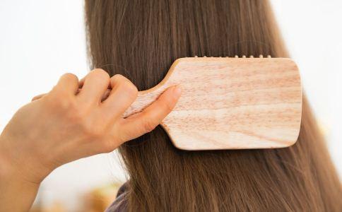 夏季如何护发 夏季怎么保养头发 夏季保养头发的方法