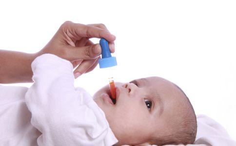 给孩子喂药的注意事项 给宝宝喂药要注意什么 孩子吃药的注意事项