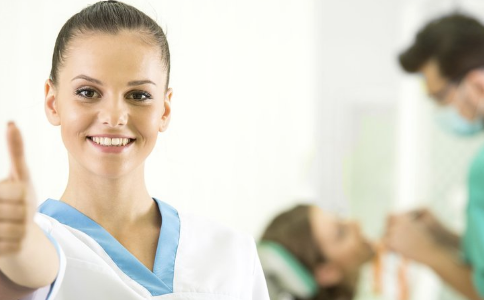 口腔尖锐湿疣有哪些危害 口腔尖锐湿疣有哪些临床表现 怎样预防口腔尖锐湿疣