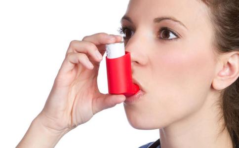 为什么胃溜进胸腔会引起哮喘 什么使反流性哮喘 反流性哮喘如何诊断