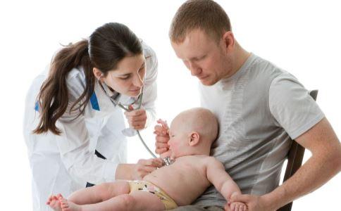 新生儿听力障碍有哪些表现 新生儿听力障碍的原因是什么 新生儿听力障碍怎么治疗