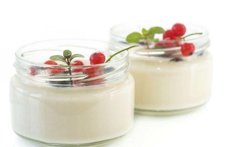 喝酸奶的好处有哪些 怎么挑选健康的酸奶 女人喝酸奶的时间什么时候最好
