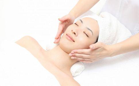 夏季如何改善皮肤干燥问题