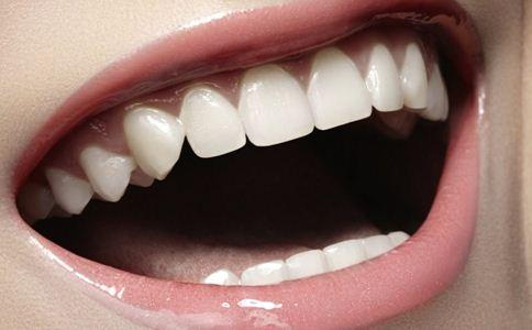 口腔溃疡会传染艾滋病吗 口腔溃疡会传染吗 口腔溃疡会传染乙肝吗
