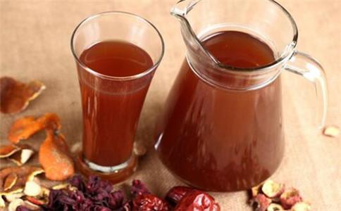 酸梅汤怎么调 酸梅汤的做法 喝酸梅汤的禁忌事项
