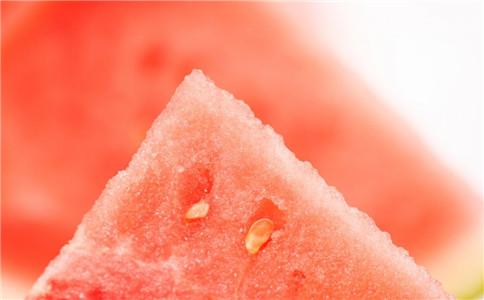 吃西瓜的禁忌 怎么吃西瓜 吃西瓜的好处
