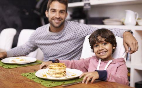 儿童早餐吃什么好 儿童营养早餐食谱推荐 儿童营养早餐的重要性