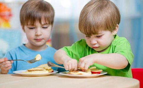 宝宝夏季饮食注意事项 宝宝夏季饮食原则 宝宝夏季吃什么好