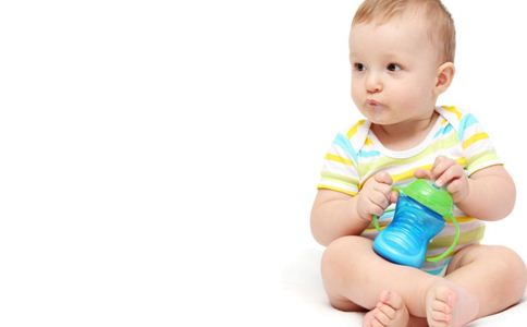 一岁宝宝怎么转奶粉 宝宝如何正确转奶 宝宝转奶注意事项