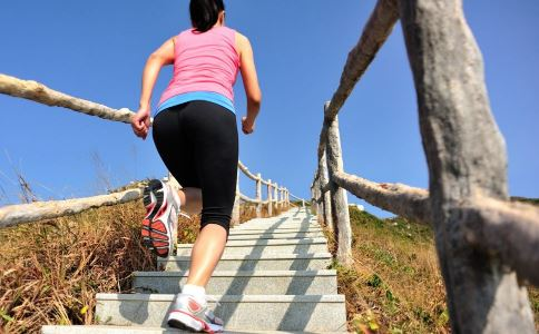 最适合夏季减肥的三种燃脂运动 一起动起来