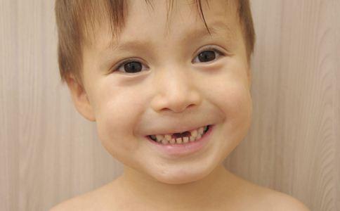 宝宝总是磨牙怎么办 宝宝磨牙怎么回事 宝宝磨牙的原因