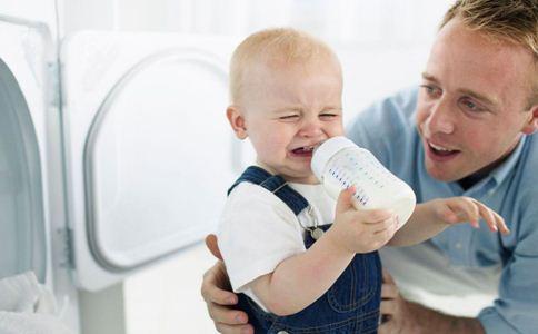转奶粉拉肚子怎么办 宝宝转奶拉肚子怎么回事 宝宝转奶拉肚子的原因