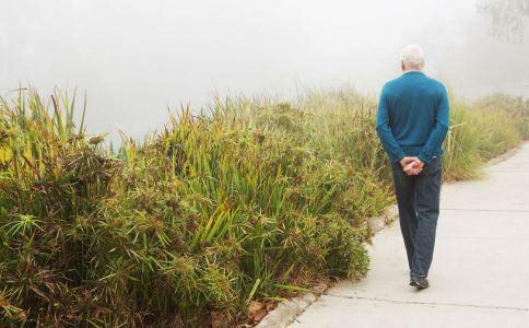 怎么散步才能达到锻炼的效果 散步要注意什么 怎么散步好