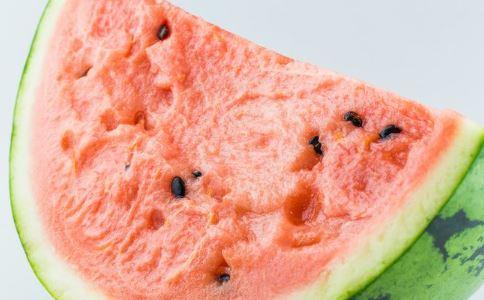 哪些人不能吃西瓜 哪些人西瓜要少吃 夏季吃西瓜的好处