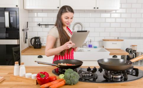 孕妇可以吃地皮菜吗 孕妇怎么吃地皮菜 如何清洗地皮菜