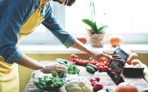 剩饭怎么做好吃 烹饪技巧大全 石锅拌饭的做法