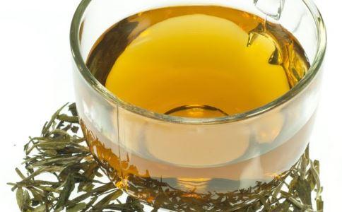 酸梅汤制作如何放糖 酸梅汤的制作方法 酸梅汤的功效与作用