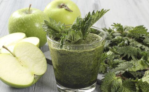 鲜榨果汁功效 喝鲜榨果汁的好处 哪些鲜榨果汁有功效