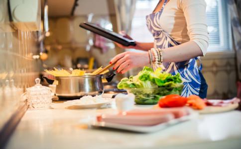 冰镇银耳汤怎么做 冰镇银耳汤的做法 银耳汤的营养价值