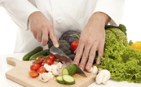 长期吃素有哪些危害 长期吃素对健康有哪些影响 吃素会营养不足吗