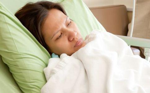 产后痉挛怎么回事 高龄产妇如何坐月子 夏季坐月子注意事项