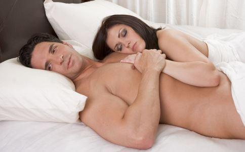 哪些睡觉恶习会伤害男人性能力 如何提高男性性能力 提高男性性能力吃什么