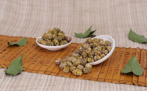 夏季滋阴清补吃什么 夏季吃铁皮石斛的好处 铁皮石斛有哪些功效