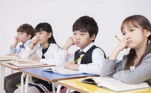 9岁男孩被父倒吊 孩子成绩不好怎么办 孩子成绩不好怎么解决