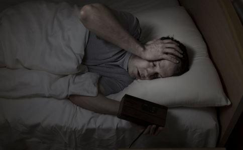 熬夜有什么危害 男人熬夜的危害有哪些 怎么降低熬夜的危害