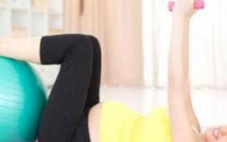 43岁女星怀二胎做瑜伽 孕妇可以做瑜伽吗