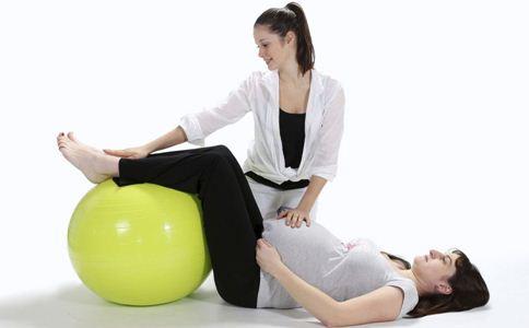 孕期穿高跟鞋好吗 孕期穿高跟鞋的危害 孕期如何预防静脉曲张