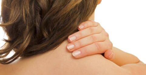 哪些人不能颈椎按摩 颈椎病可以按摩吗 颈椎按摩注意什么