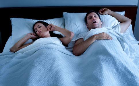 打呼噜怎么办 打呼噜怎么治疗 打呼噜的危害是什么