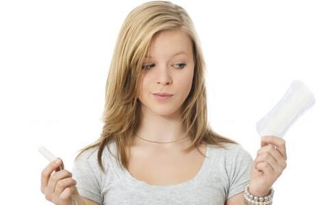 生理期喝冷饮有哪些危害 生理期适合吃的蔬菜 生理期要注意哪些
