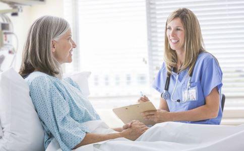女性更年期用药有哪些原则 女性更年期如何用药 女性怎么度过更年期