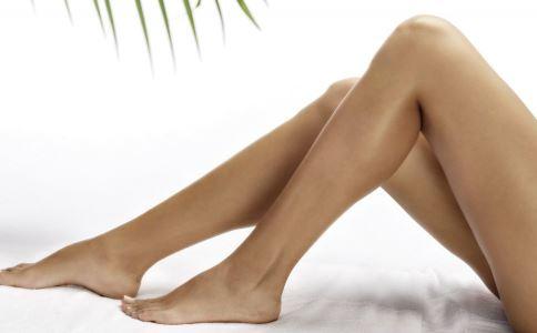 晚上睡觉总是脚抽筋怎么回事 晚上睡觉腿抽筋是什么原因 脚抽筋怎么办