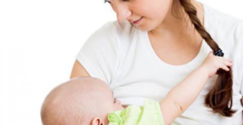 乳头皲裂怎么办 哺乳期涨奶痛如何缓解 如何避免乳头皲裂