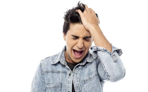 什么原因导致少年白 少年白发是怎么引起的 少年白怎么办