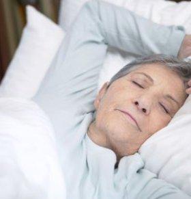 老人一定要午睡吗 哪些老人不宜午睡 老人午睡注意什么