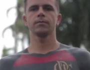 球迷在身上纹了件球衣 警惕纹身带来的4大伤害!