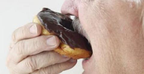 老人甜食吃多的危害 老人吃什么糖好 老人吃甜食注意什么