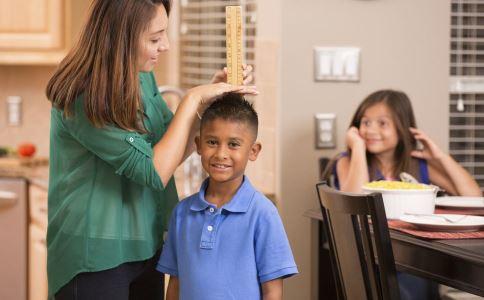 11岁男孩高2.06米 孩子发育阶段 做什么运动能长高