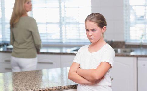 如何与孩子更亲近 父母如何跟孩子沟通 父母如何与孩子交流