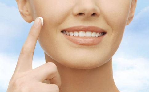 皮肤晒伤了要如何护理 皮肤晒伤的护理方法 皮肤晒伤后要怎么办