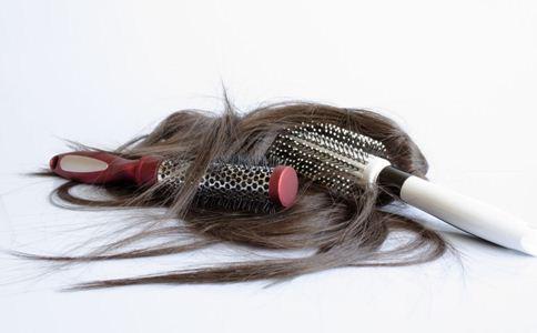 产后脱发怎么办 产后脱发吃什么好 产后掉发的原因