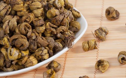 夏季吃石斛的好处 石斛的做法 哪些人适合吃石斛