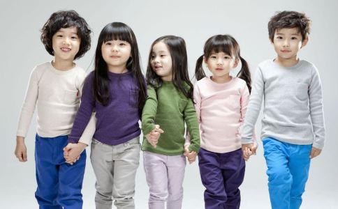 10岁女孩被收成人票 想长高应该吃什么 练什么可以长高