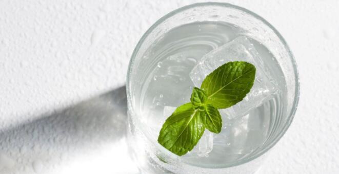 什么中药泡水能解暑 解暑喝什么好 如何解暑