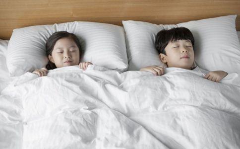 宝宝赖床怎么办 宝宝有起床气怎么办 宝宝赖床怎么处理